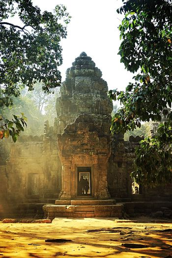 Love the way the light comes through the trees, such a magical place. (Ta Som Temple) Angkor Wat Cambodia . Peace And Quiet Light And Shadow Travel Photography Temple Tranquil Scene Eye4photography  EyeEm Nature Lover International Landmark Historical Building Architecture The Adventure Handbook Walking Around Hello World The Tourist Feel The Journey