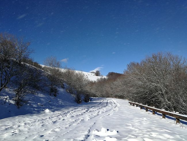 Ice Pratomagno Toscana Trekking Tuscany Winter Adventure Casentino Cold Temperature Mountain No People Outdoors Sky Snow Snowdrift Tranquility Valdarno