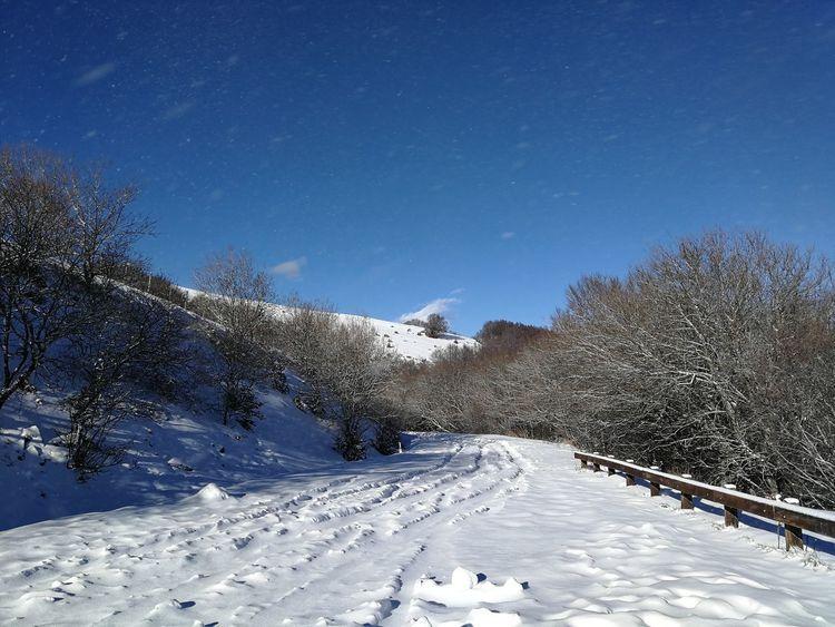 Ice Pratomagno Toscana Trekking Tuscany Winter Adventure Casentino Cold Temperature Mountain No People Outdoors Sky Snow Snowdrift Tranquility Valdarno