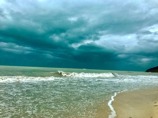 Sea Nature Sky Cloud - Sky Beauty In Nature Scenics Water Wave Tranquility Tranquil Scene No People Outdoors Beach Horizon Over Water Day Motion Power In Nature EyeEm Gallery EyeEmNewHere EyeEmCaribbean JeanneRotaMatthews Hurricane Irma 2017