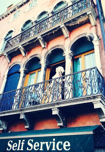 C@rnaval Carnaval Eyesonme EyeEmNewHere BackTime History Through The Lens  Venice, Italy Window Architecture Close-up Building Exterior Built Structure Street Art