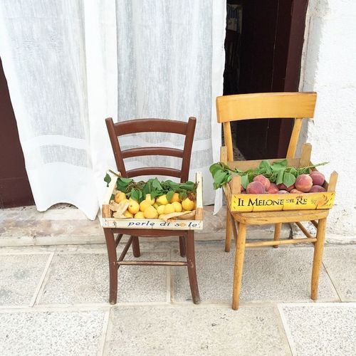 Southern Italy at its best 🍋🍋🍑Lovepuglia Polignano Beauty Happiness Puglia Sunrise Seaside Sea Skysultans Interiordesign Ig_tuscany Sea Mare Beautifulitaly Beauty Travelling Travelshare Travelblog Travels Travelblogger Travelpic Travelpicture Travelitaly Travel Traveltheworld fruit foodshare vegan greenlife veggie