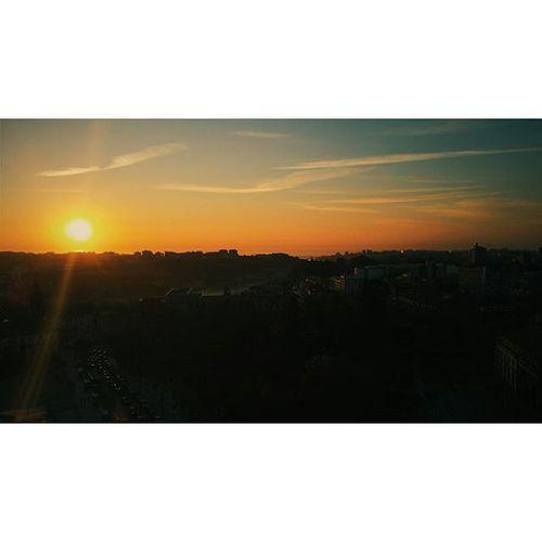 Pôr do Sol da Torre dos Clérigos Vscocam VSCO Vsco_pt Porto Portoenorte Portugalnorteasul Clerigos Torredosclerigos Pordosol Madeinpt Igersportugal Ig_porto Igers_porto