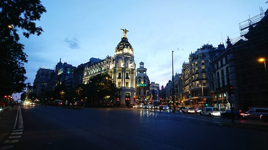 Gran via Madrileña^^ Travel Destinations Architecture ıloveit♥ Madrileando Demadridalcielo Granviamadrid City Street