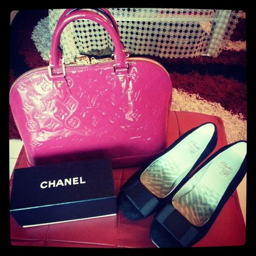 Some of the things I like the most. Selfreward Alma Louisvuitton Chanel clarks confidence