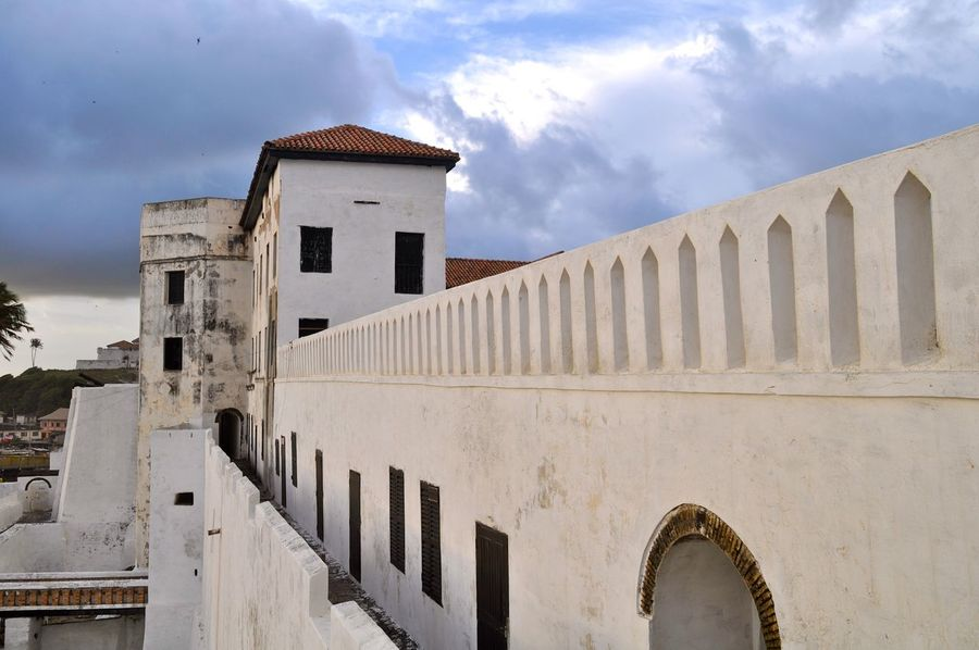 Fort São Jorge da Mina, Elmina Castle, Ghana, Westafrica Architecture Historical Building Castle History Africa Historical Monuments Fortress Fort Ghana Slave Colonialism Slavery GoldCoast Elmina Building Exterior Colonial Power Elmina Castle Slave Trade Fort São Jorge Da Mina Built Structure Travel Destinations Colonial