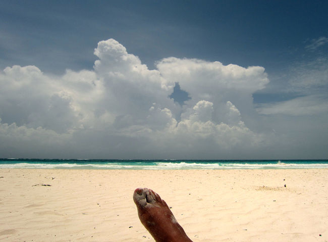 Relaxing moments at a carribean beach - short before the storm - Tulm, Quintana Roo - Mexico Beach Beauty In Nature Cloud - Sky Day Horizon Over Water Human Body Part Human Foot Mayan Riviera Nature Outdoors Relaxing Moments Sand Scenics Sea Selfie ✌ Sky Spring Break Spring Break 2017 Springbreak2017 Tranquility Tulum Water Miles Away