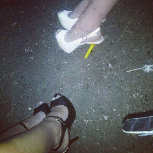 Туфли странный предмет. В магазине удобно, на улице - нет. Girls Girl Night деньжд