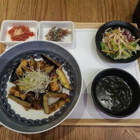 なすのビビンバ&サラダ御膳♡ BIBIGO 비빔밥
