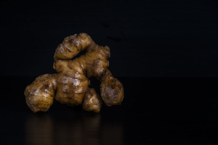 Black Background Cooking Ingredients Food Fresh Fresh Ginger Ginger Ginger Juice Healthy Food Ingredients Juice Product Reflections Still Life