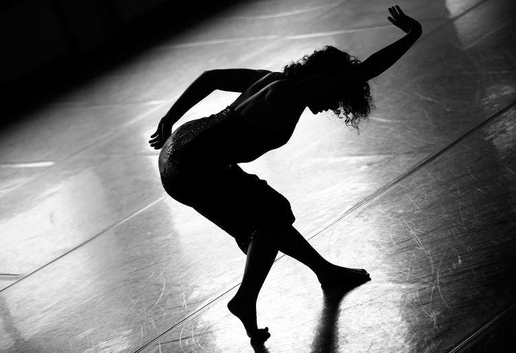 Balance Ballet Ballet Dancer Ballet Studio Dancer Dancing Exercising Flexibility Full Length Grace Indoors  One Person Performance Practicing Skill  Women Young Women