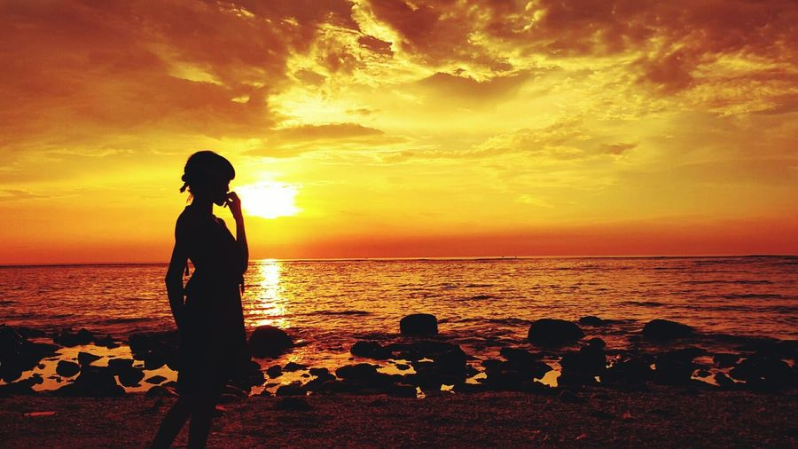 That's Me Enjoying Life Sunset Silhouettes Photography Happy Weekend ✌️