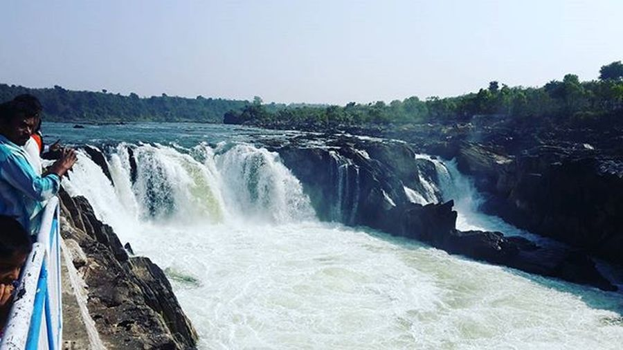 Duadhar water fall..bhedaghat..jabalpur.. Amazing it is.. Beautiful Landscape Marblerock Marblerocks Amazingplaces Incredibleindia Incredible Narmadariver Beautifulnarmada Nature Photooftheday Picoftheday Instagood Naturephotography Ladscapephotography Northeastindia Amazingartofearth
