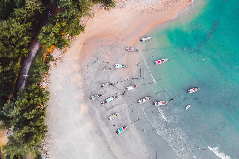 Drones Dronephotography Droneshot Drone Moments Drone View Drone Dji Djispark Aerial Photography Aerial Landscape Boat Boats And Water Aeril Shot Drone  Green Green Color Tree Aerial View High Angle View Coast Palm Tree Beach Umbrella Horizon Over Water