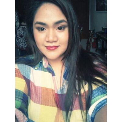Loving my the color on my lips. Theplumpinay Igerspinoy Igerspinay Filipinosbelike effyourbeautystandards makeup love honoryourcurves curvydolls curvy