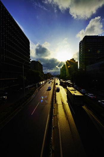 日落日复出,旦夕逐人老,却似大公交,追着夕阳跑。 bus Transportation Sky Road Cloud - Sky City Street Car Bus Sunset Evening