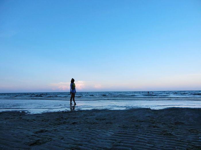 ทำไม ไม่ยอมจากไป สักที Sea Beach Full Length Horizon Over Water Shore Sand Water