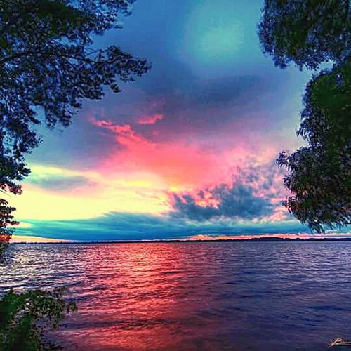 Blue Wave Enjoying Life Lake Showing Imperfection Sunset Taking Photos Tranquil Scene Landscape Nature Outdoors Tranquility Beauty In Nature