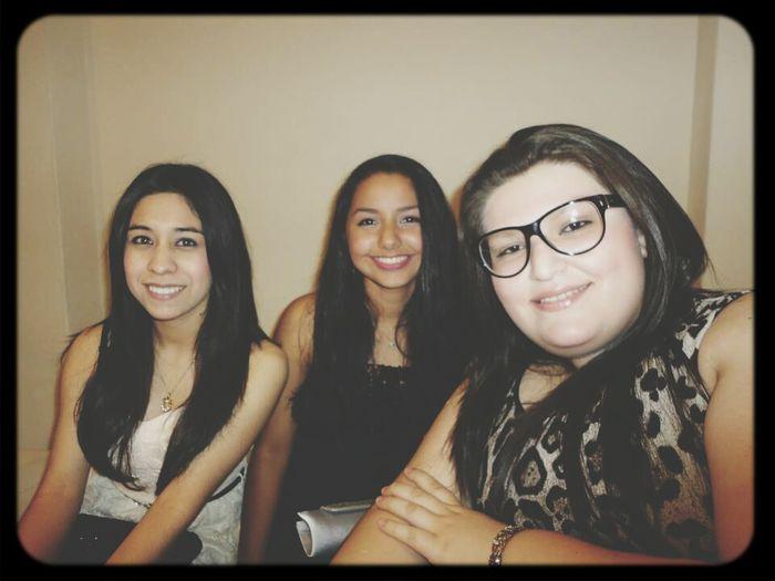 con mis dos mejores amigas