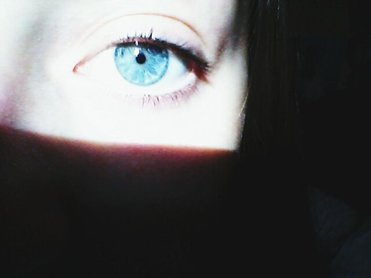 Look in my eyes to see how much I love you ♥