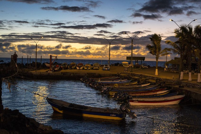 Sunset in Hanga Roa Sunset Cloud - Sky Chile Sud America Travel Destinations Phototraveller EyeEmNewHere Canon 6D Wanderlust Travel Photography Eyemphotography Globetrotter Livefortravel Lonelyplanet Photograph Viaggiare Rapa Nui Easter Island Liveforadventure Follow Me On Instagram ♥ Easter Islands Ocean