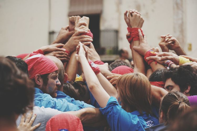 human castles of Catalonia Human Castles Castellers First Eyeem Photo Eye4photography  Colaboration Popular Tradition Cultures Culture Catalunya Catalonia Is Not Spain Catalonia Human Hand Humaninterest Human Condition Togetherness Crowd Togetherness A New Beginning Human Connection