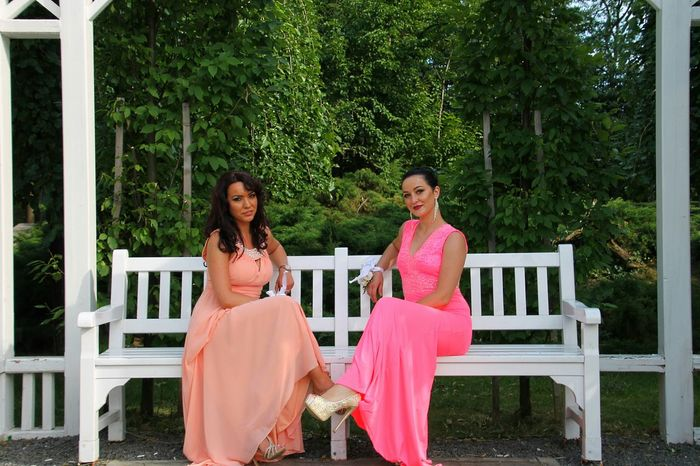 Two People Brown Hair Pink Color Archival Mature Adult Sitting Adult People Portrait Togetherness Adults Only Outdoors Only Women Day Wedding Dress Women Around The World Millennial Pink The Portraitist - 2017 EyeEm Awards