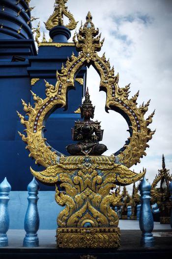 Buddhism Leica