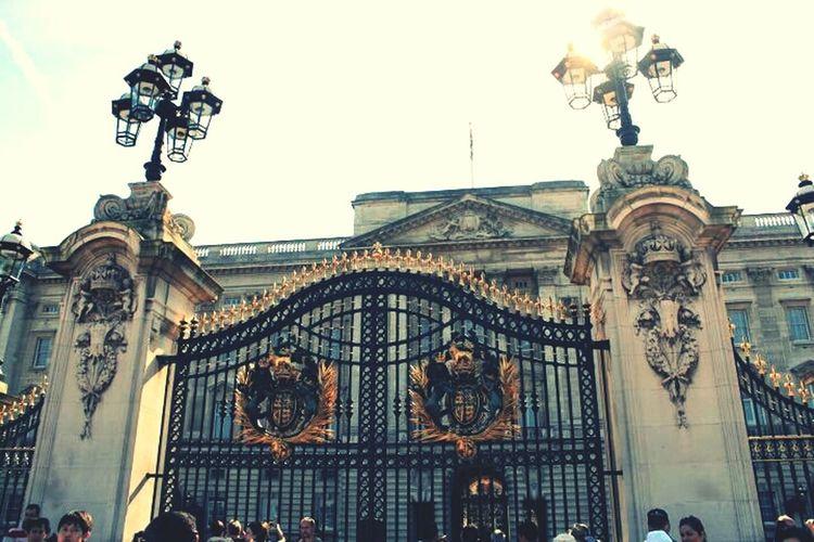 Taking Photos London Buckingham Palace England