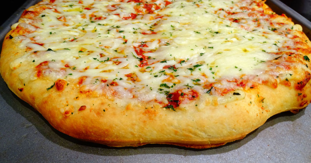Fresh from the oven cheese pizza! Cheese! Dinner Hot Lunch Baked Carbohydrates Cheese Close-up Crust Day Fast Food Food Food And Drink Freshness Indoors  Italian Food Melted Cheese No People Pie Pizza Pizza🍕 Popular Ready-to-eat Temptation Unhealthy Eating