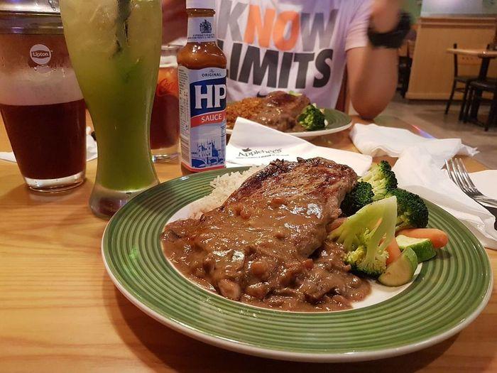 Steak Dinner Steaknight Kiwimintmalt Applebee's