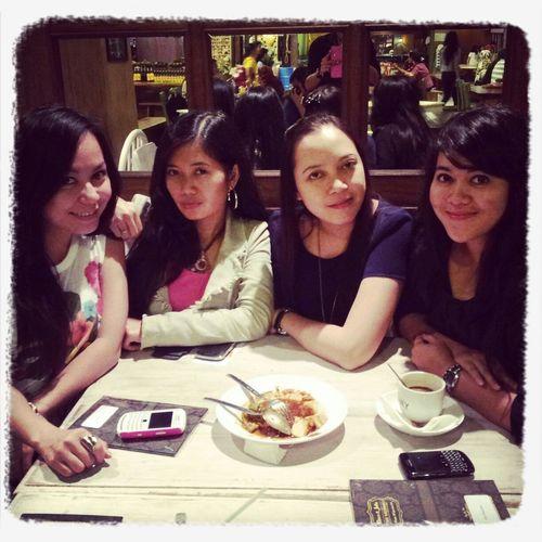 Hangout!  Jakarta INDONESIA Bestfriends ❤