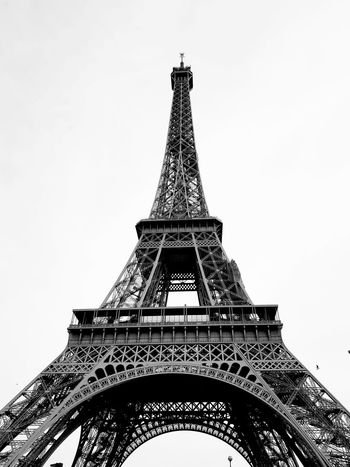 Architecture Travel Destinations Tower Low Angle View History Built Structure Monument Travel Tourism Outdoors Building Exterior No People Sky Day City TourEiffeil Tour Eiffel Paris Paris, France  Francetourisme Francephotographer Blackandwhite Photography