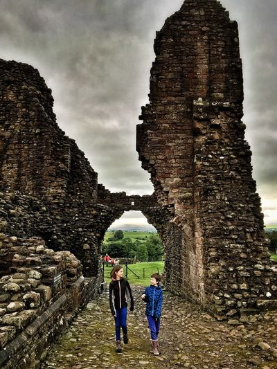 Brough Castle Tourism Cumbria Brough Medieval Ruins Heritage Children Teenager