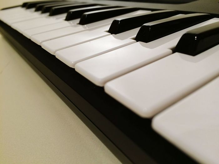 Midi keyboard Black And White Blackandwhite Midicontroller Piano Key Piano Indoors  Musical Instrument White Color Musical Equipment Music Close-up Keyboard Keyboard Instrument