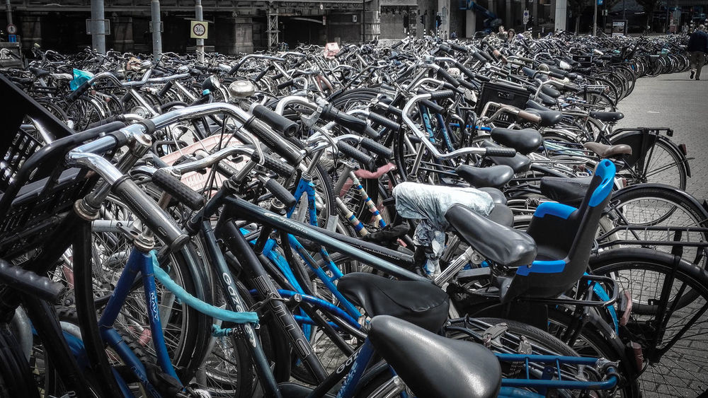 Arrangement Bikes Close-up Eye4photography  EyeEm EyeEm Best Shots EyeEm Gallery EyeEmBestPics Fahrräder Group Of Objects In A Row Large Group Of Objects Mode Of Transport Outdoors Parking Parking Lot Side By Side Still Life Tourism Variation Transportation The Color Of Technology CyclingUnites