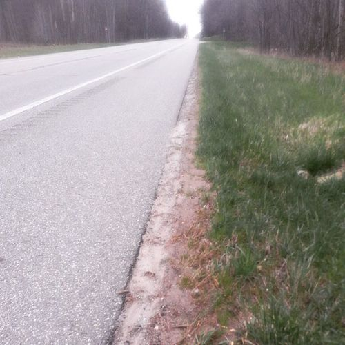 Beautiful morning for a walk...NOT!! Damn tires 😡 Walkintowork Flattire Morning Road Shoulder M115