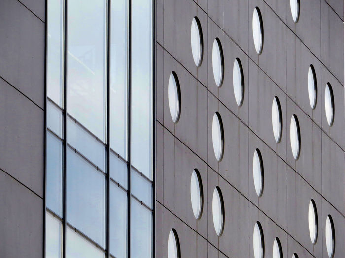 Building Exterior Detail Dots And Lines Exterior Design Geometric Shape Modern Architecture Outdoors Patterns & Textures Simplicity The Architect - 2016 EyeEm Awards Urbanphotography The Graphic City