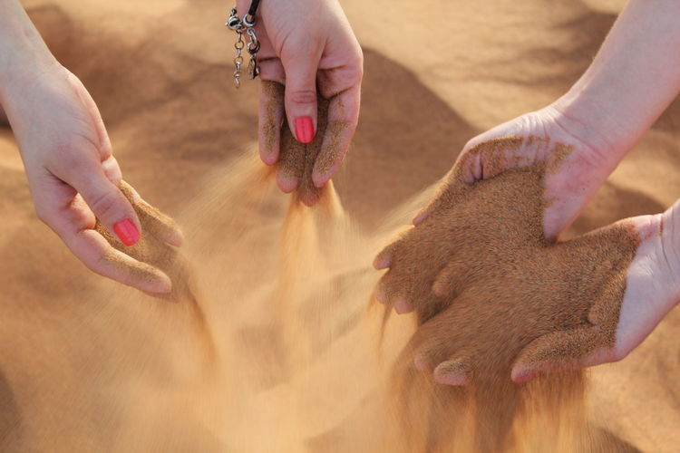 Desert Dubai Dubai Desert Safari Hands Hands At Work Sand Togetherness Women Who Inspire You People And Places People And Places. The Great Outdoors - 2017 EyeEm Awards Been There. Done That. Connected By Travel Second Acts Perspectives On Nature An Eye For Travel