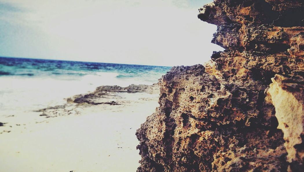 Frist Time On EyeEm Eyem Best Shots Hello Eyem ! Htcone Pictureoftheday Sea And Sky Beach Photographs Taking Photos