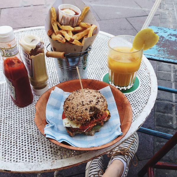 Holiday POV Barcelona SPAIN Lunch Vegetarian Burger Food Porn Awards Mealtime Traveling Foodporn