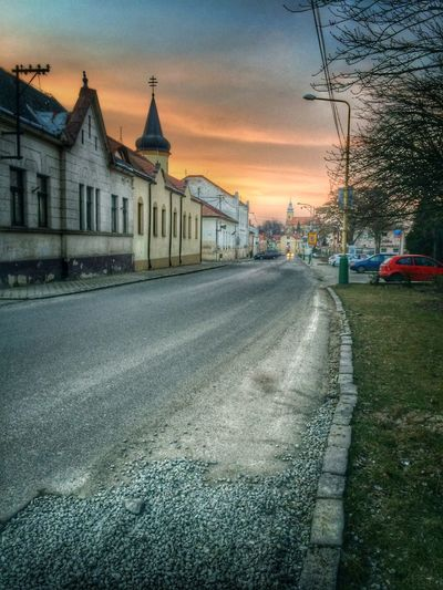 Kralovsky Chlmec Sunset City Road