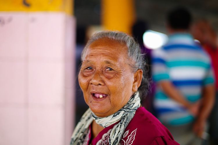 Snap A Stranger Real People Headshot Portrait Streetphotography EyeEm Best Shots Street Life The Week Of Eyeem Grandma Leicacamera