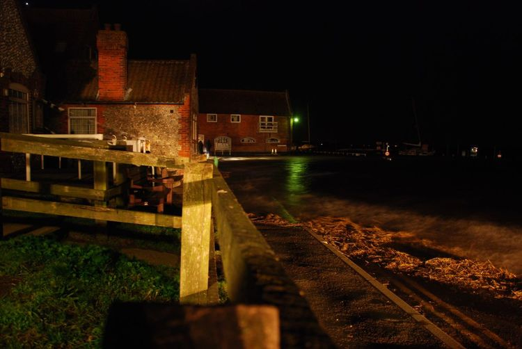 Blakeney, Norfolk. Blakeney Quay in disarray during highwater on Friday night's tidal surge. Flood, Surge, Norfolk, Blakeney, Tidal, Coastal