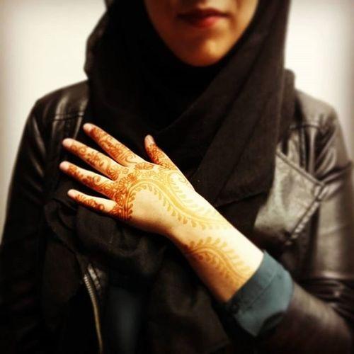 Hennatattoo Henna Handart Muslimgirl Art Leatherjacket Modernmuslim TravelTuesday Airheads Photooftheday 👍@zenibwithab Asianworld
