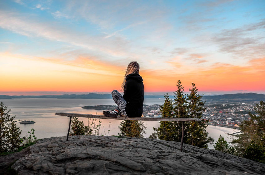 Beautiful Nature Heaven Mountain Norway Norway🇳🇴 Perfect Moment Sky Stunning Stunning_shots Sunset Sunset_collection Vattakammen View From Above View Point Women