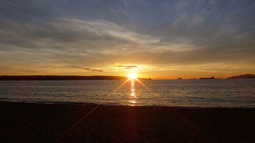 The beautiful day. Sunset Sea Sky Englishbay Vancouver Canada Sunny Day Outdoors Hoilday