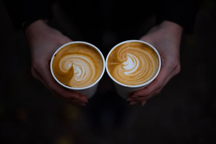 Coffee To Go Flat White Coffee Latte Coffee Coffee - Drink Drink Coffee Cup Food And Drink Cup Refreshment Cappuccino Hot Drink Mug Frothy Drink Froth Art Human Hand Still Life One Person Real People Lifestyles Autumn Mood