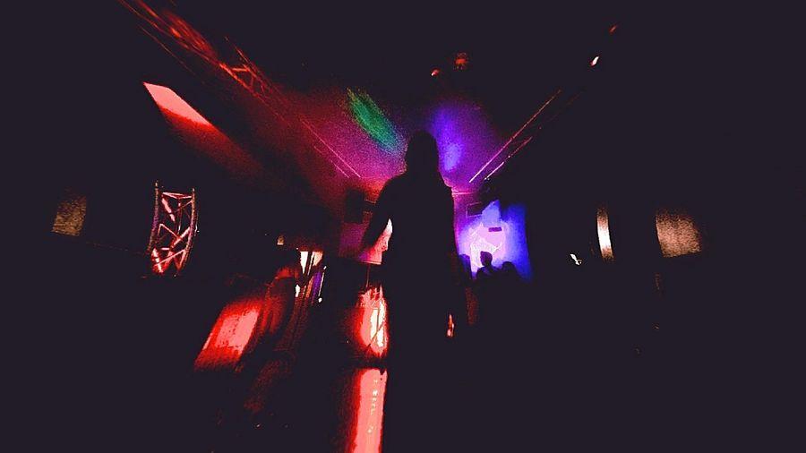 Light And Dark Clubbing Silhouette Crowd Audience Fan - Enthusiast Nightclub Dj HUAWEI Photo Award: After Dark