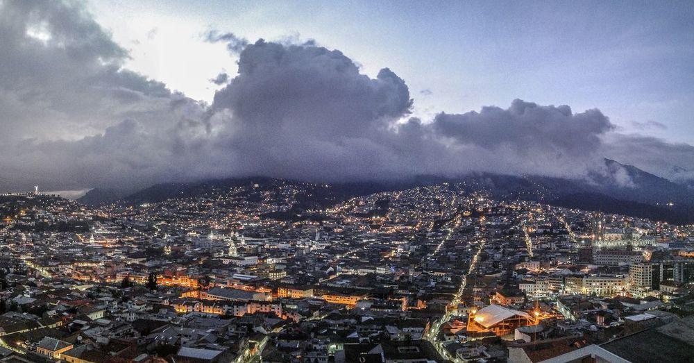 Quito visto desde el parque Ichimbia
